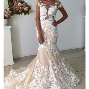 Gown/wedding dress